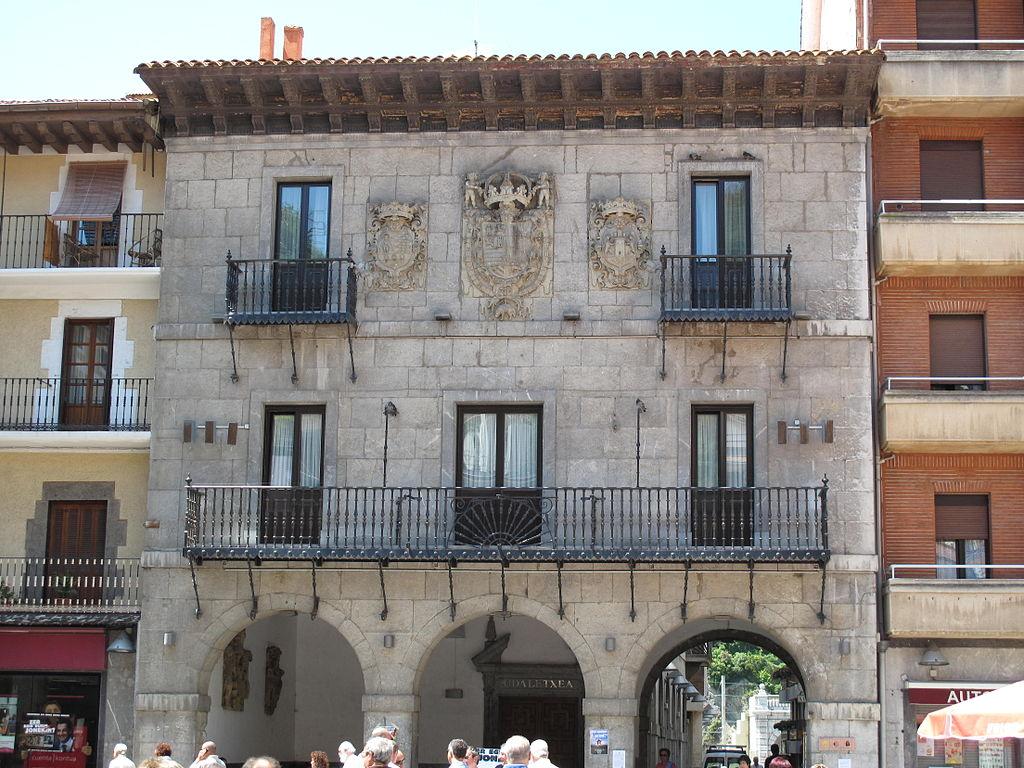 Casa consistorial de Deba