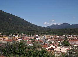 Vista parcial de la localidad desde la elevación en la que se sitúa el castillo