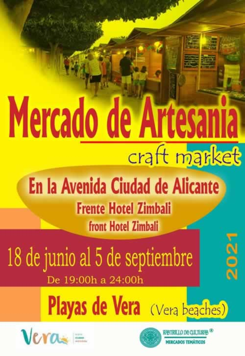 """Mercado de artesania """" Craft Market"""" en la playa de Vera, Almeria"""