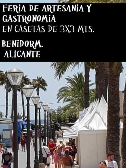 Feria de artesania y gastronomia en Benidorm , Alicante